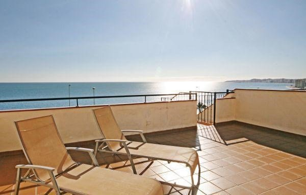 Two-Bedroom Apartment Benalmadena with Sea view 04 - фото 12