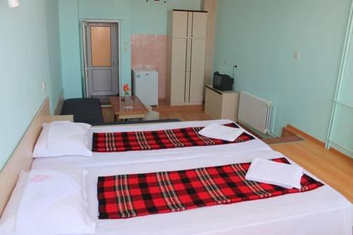 Hotel Bobchev - фото 1