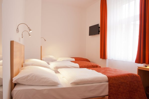 Hotel Ambiance - фото 2