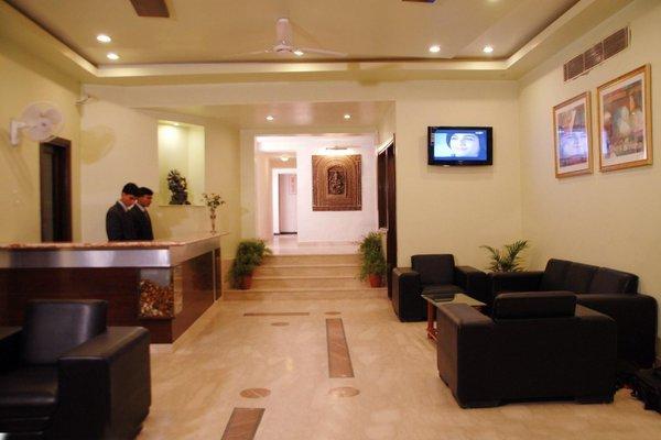 Hotel Ratnawali - A Pure Veg Hotel - фото 17