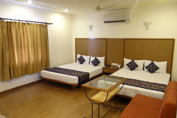 Hotel Ratnawali - A Pure Veg Hotel - фото 6