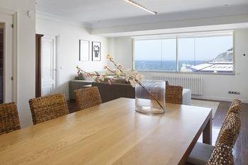 Playa de La Concha 3 Apartment by FeelFree Rentals - фото 10
