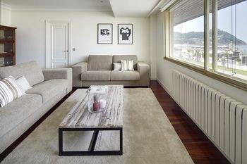 Playa de La Concha 3 Apartment by FeelFree Rentals - фото 14