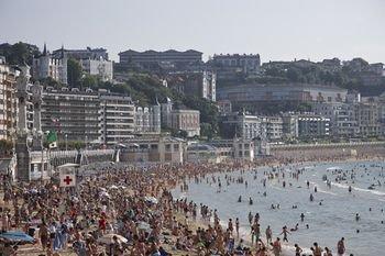 Playa de La Concha 3 Apartment by FeelFree Rentals - фото 19