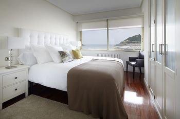 Playa de La Concha 3 Apartment by FeelFree Rentals - фото 3