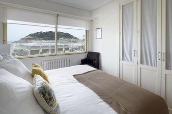 Playa de La Concha 3 Apartment by FeelFree Rentals - фото 6