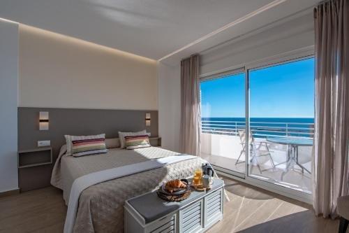 Alicante Skylights Apartments - фото 50