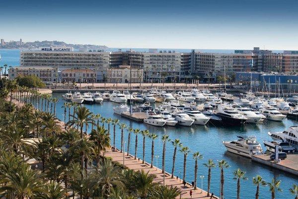 Alicante Skylights Apartments - фото 22