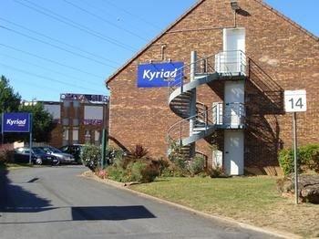 Kyriad Les Ulis - Courtaboeuf - фото 22