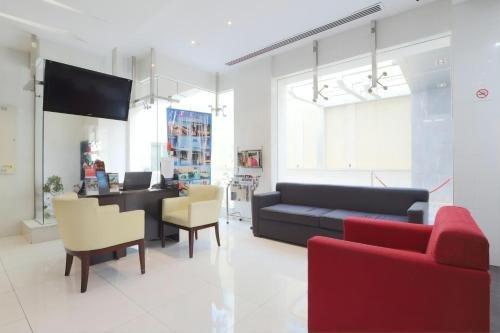 The View Al Barsha Hotel Apartments - фото 12