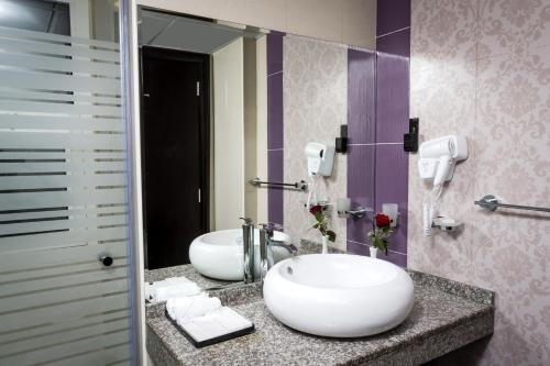 The View Al Barsha Hotel Apartments - фото 14