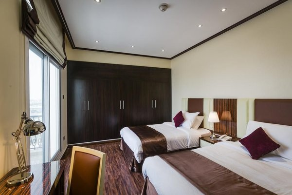 The View Al Barsha Hotel Apartments - фото 2