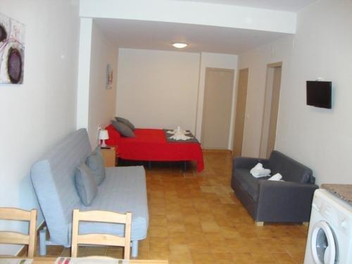 Apartaments Claudi - фото 11