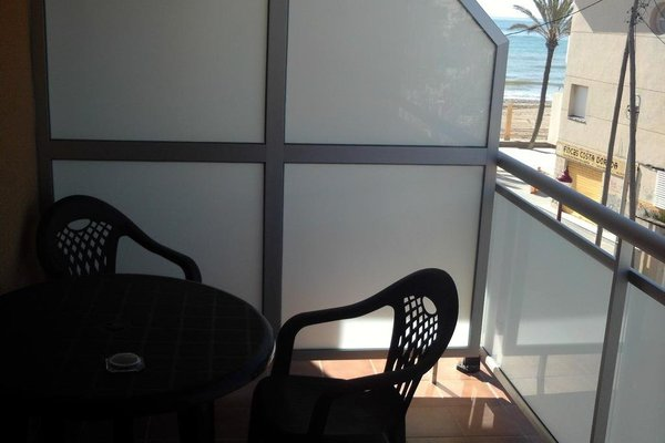 Hostal Cubelles - фото 3