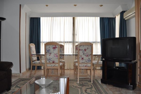 Apartamentos Kasa25 Poeta Vila y Blanco - фото 3