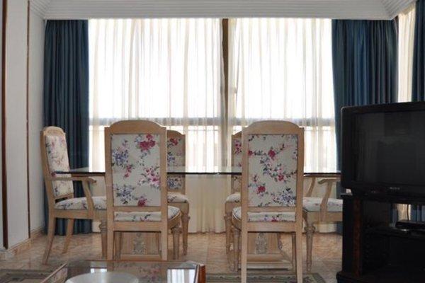 Apartamentos Kasa25 Poeta Vila y Blanco - фото 7