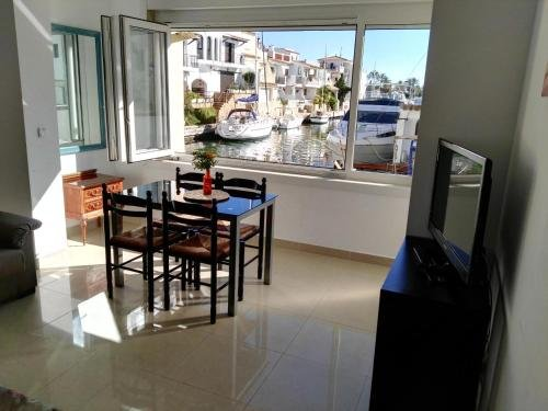 Large Two-Bedroom Apartments with terrace - Waterside - фото 50