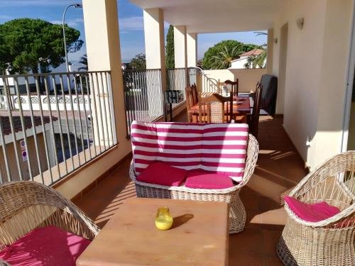 Large Two-Bedroom Apartments with terrace - Waterside - фото 21