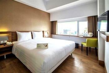 Whiz Prime Hotel Balikpapan - фото 1