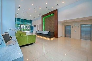 Whiz Prime Hotel Balikpapan - фото 15