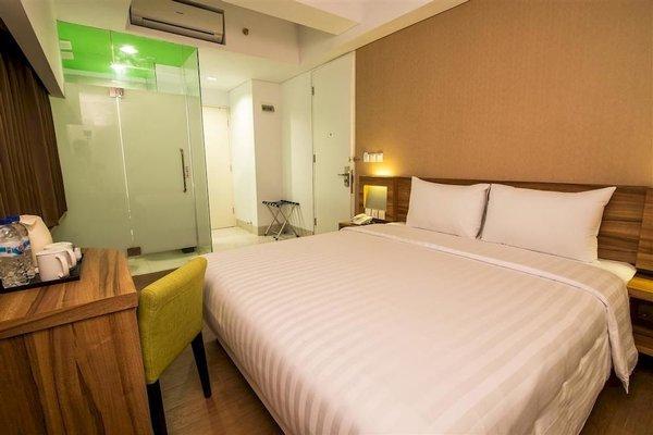 Whiz Prime Hotel Balikpapan - фото 2