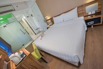 Whiz Prime Hotel Balikpapan - фото 4