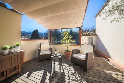 Apartments Florence San Niccolo terrace - фото 16