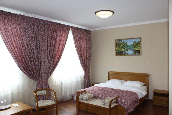 Alexandrovskaya Sloboda Hotel - фото 1