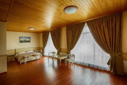 Alexandrovskaya Sloboda Hotel - фото 2