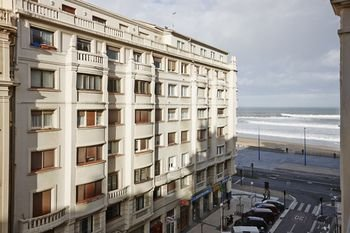 Gros Beach Apartment by FeelFree Rentals - фото 14
