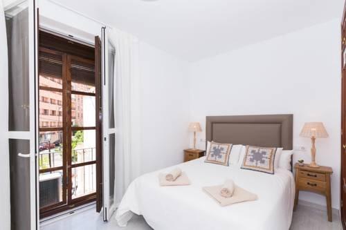 Suncity Plaza Apartamentos - фото 1