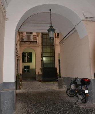 B&B Napoli Pietrasanta - фото 23