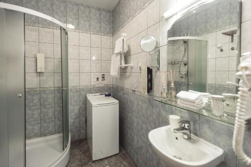 Bearsleys Downtown Apartments - фото 12