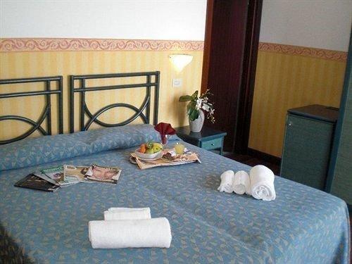 Hotel Bologna - фото 0