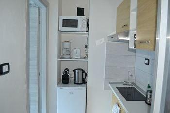 4 Star Apartments - фото 10