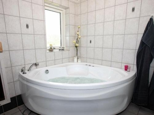 Three-Bedroom Holiday home in Hadsund 34 - фото 7