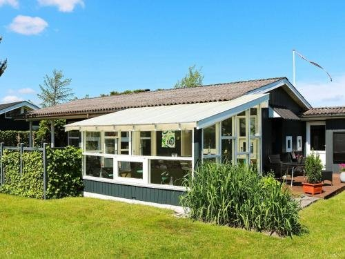 Two-Bedroom Holiday home in Hadsund 9 - фото 2