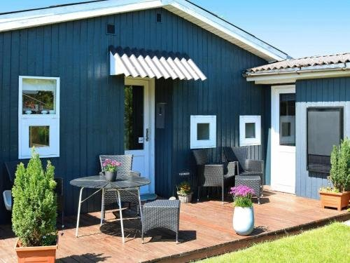 Two-Bedroom Holiday home in Hadsund 9 - фото 4