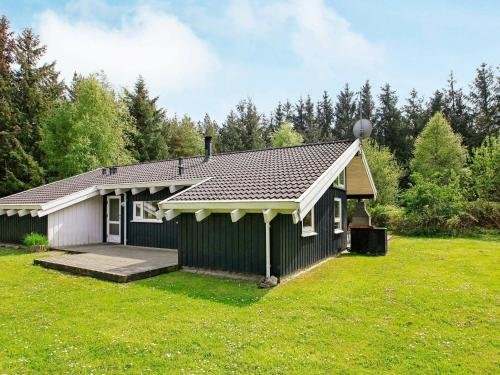 Three-Bedroom Holiday home in Bindslev 2 - фото 12