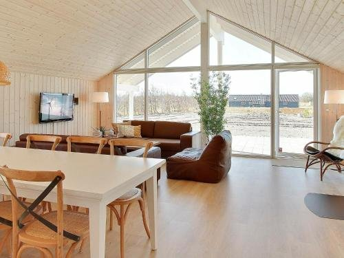 Five-Bedroom Holiday home in Idestrup 5 - фото 15