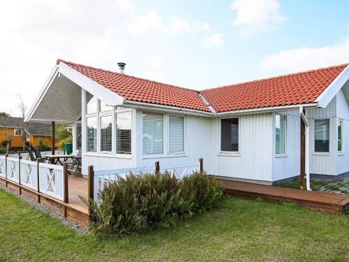 Three-Bedroom Holiday home in Jaegerspris 6, Oppe Sundby