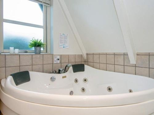 Three-Bedroom Holiday home in Haderslev 8 - фото 1