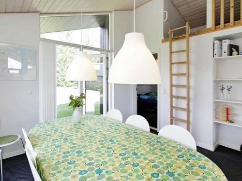 Three-Bedroom Holiday home in Haderslev 10 - фото 5
