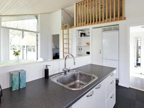 Three-Bedroom Holiday home in Haderslev 10 - фото 6