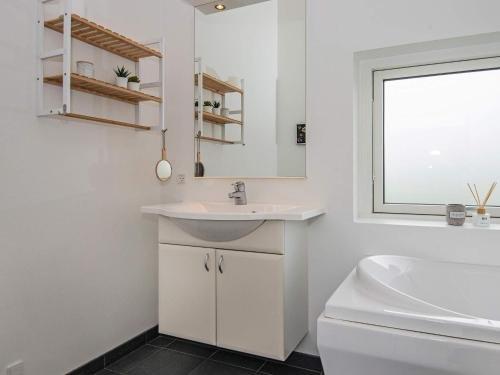 Three-Bedroom Holiday home in Haderslev 23 - фото 14