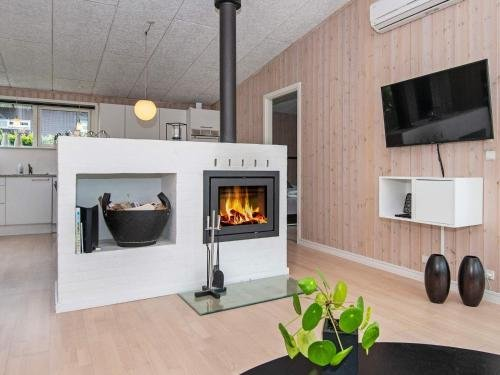 Three-Bedroom Holiday home in Haderslev 23 - фото 9