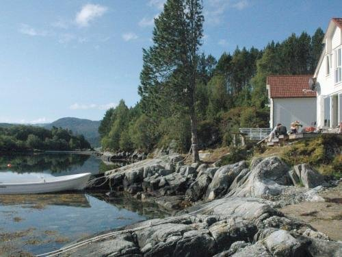 Four-Bedroom Holiday home in Gurskoy 1, Kjellsund