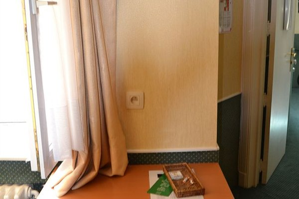 Hotel A La Grande Cloche - фото 3