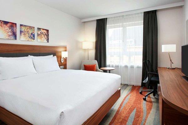 Hilton Garden Inn Brussels Louise - фото 2