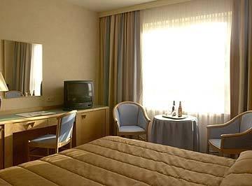 Hilton Garden Inn Brussels Louise - фото 4